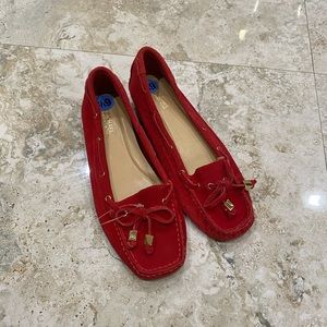 MICHAEL KORS WOMEN'S MOC SUEDE LOAFER SHOES (RED)